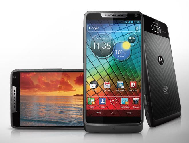 Motorola RAZR i - для тех, кто не любит монстров